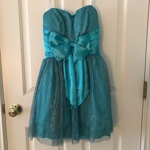 B. Darlin Teal Strapless Homecoming Dress size 1/2